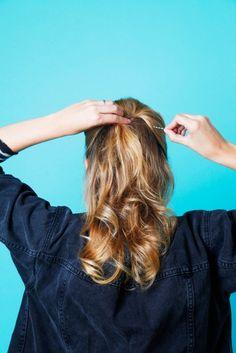 Hair styles for fine hair: teased half pony