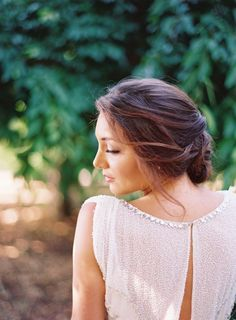From summer weddings to date nights to beach BBQ's, there's a gorgeously messy hairstyle for every event right here.