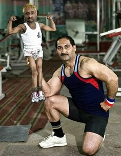 Muscle Building Tips. Make Sure Not To Tear Or Strain Any Muscles While Working Out. Some people are naturals when it comes to fitness, others will need careful planning to succeed. Funniest Photos Ever, Funny Photos, Indian Bodybuilder, Be With You Movie, Smosh, Lol, Little People, Karaoke, Awkward