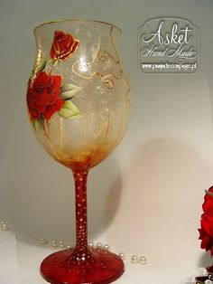 Появление стороне лайнера, рисовая бумага Bottle Painting, Bottle Art, Wedding Glasses, Champagne Glasses, Block Painting, Decoupage Art, Altered Bottles, Painted Wine Glasses, Christmas Candles