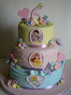 Pretty Princess Cake - my girls would love this....