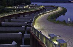 http://lighting.pl/oswietlenie-profesjonalne/tereny-miejskie/Ledowe-oswietlenie-przeplawki-miedzy-jeziorami