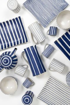 Sue Binns - Bluecoat Display Centre blue and white ceramics Ceramic Tableware, Ceramic Clay, Ceramic Pottery, Pottery Painting, Ceramic Painting, Keramik Design, Decor Scandinavian, Contemporary Ceramics, Decoration Table