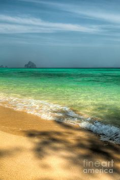 ✯ Remote island off the coast of Koh Lanta in the straits of malacca Thailand