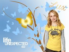 Life Unexpected - Lux Cassidy Jessica Parker Kennedy, Life Unexpected, Britt Robertson, Jane The Virgin, Pretty Little Liars, Favorite Tv Shows, The Fosters, Cute Pictures, Drama
