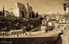 Fontebranda, San Domenico e dintorni ... Una Spendida foto di Ettore Zaffo su http://www.juzaphoto.com/galleria.php?l=it=452922