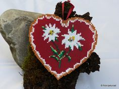 Edelweiss Herzerl aus Hama Bügelperlen by  petuniad