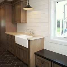Transitional, Laundry Room