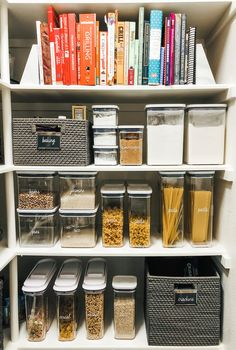 Article by Kitchen Organization Pantry, Home Organization Hacks, Kitchen Storage, Organized Kitchen, Pantry Storage, Diy Storage, Closet Organization, Storage Ideas, The Home Edit