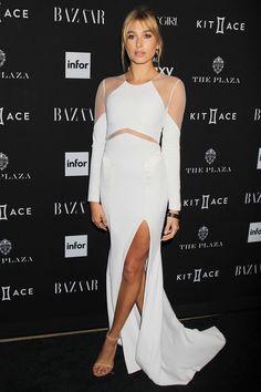 Hailey Baldwin http://en.louloumagazine.com/celebrity/celebrity-fashion-looks/hot-celeb-fashion/ / http://fr.louloumagazine.com/stars/looks-de-stars-mode-stars/