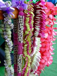 Hawaiian Leis. stunning, I'll take one in every color, please and thank you