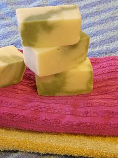 Veikeä Verso: Itse tehty saippua paras saippua Bokashi, Naturally Beautiful, Soap Making, Diy And Crafts, Remedies, Pudding, Homemade, Food, Bathroom Essentials