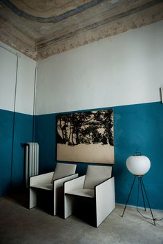 interior details - paint and colour - photo dimore studio Murs Turquoise, Turquoise Walls, Interior Architecture, Interior And Exterior, Half Painted Walls, Blue Walls, Colorful Interiors, Loft Interiors, Interior Design Inspiration