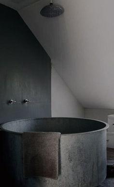 I can make an ofuro style tub w/kiln bricks plus my own tiles on top Grey Bathroom Interior, Grey Bathrooms, Interior Modern, Beautiful Bathrooms, Gold Bathroom, Bathroom Faucets, Small Bathroom, Target Bathroom, Bathroom Showers