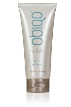 Obiqo Gentle Face Wash - 3.3 fl. oz. Extracts of sea kelp and anti-oxidant rich sea lavender gently cleanse away the day's impurities, revealing a fresh and radiant complexion. Natural camomile, softening comfrey and cooling cucumber provide a gentle nourishing boost, while aloe vera moisturises and soothes. Made in New Zealand from rich New Zealand sea kelp and other essential elements. The Obiqo range of unique marine facial products has been formulated for women aged 30-55 years with...