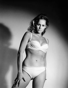 James Bond 007 contre Dr. No - Ursula Andress