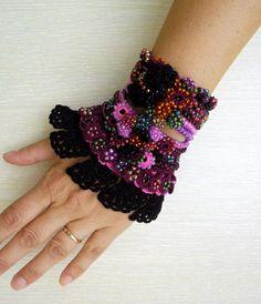 VENTA de NAVIDAD negro pulsera brazalete por SvetlanaCrochet
