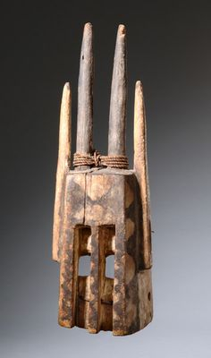 Santa Fe, Sculpture Art, Sculptures, Africa Art, African Masks, Art Auction, Tribal Art, Body Painting, Art Forms