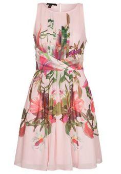 Moona Dress by Ted Baker Ted Baker Kleid, Ted Baker Dress, Dress Me Up, Pink Dress, Pretty Dresses, Beautiful Dresses, Maya, Elegant Outfit, Plus Size Dresses