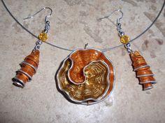 bijoux parure collier boucles d'oreilles capsule café nespresso recyclé orange et or dore : Parure par cococreative