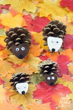 Pinecone Hedgehogs. These cute hedgehogs are made from pinecones and felt and are a simple nature craft perfect for doing with the kids this autumn/fall