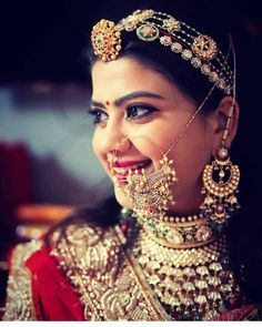 Indian Bridal Jewelry Sets, Indian Bridal Outfits, Indian Bridal Fashion, Bridal Jewellery, Rajasthani Bride, Rajasthani Dress, Rajput Jewellery, Indian Wedding Poses, Wedding Lehnga