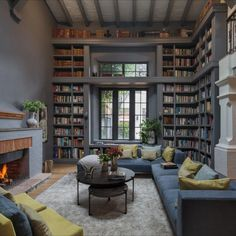 Home Library Rooms, Home Library Design, Home Libraries, Cozy Home Library, Library Ideas, Dream Apartment, Studio Apartment, Beautiful Living Rooms, Dream Rooms