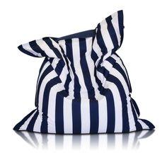 Niby zwykła #poducha o wymiarach 170/135 cm, a tyle #zastosowań. Idealna do #spania gdy jest położona na płasko, można na niej #siedzieć jak w wygodnym #fotelu gdy postawimy ją #pionowo lub przybrać #najwygodniejszą #półleżącą pozycję gdy postawimy ją w poziomie.