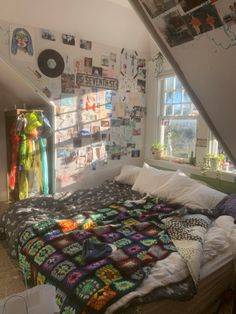 Indie Bedroom, Indie Room Decor, Cute Room Decor, Aesthetic Room Decor, Indie Living Room, Punk Bedroom, Dream Rooms, Dream Bedroom, Room Ideas Bedroom