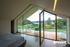 Fotogallery casa in legno Novara - Kager Italia Modern Glass House, Modern House Design, Luxury Homes Interior, Home Interior Design, House Structure Design, Flat Roof House, Architectural House Plans, Architect House, Architecture Design