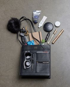 Wear I Am :: What's In My Bag
