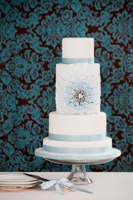 Blue and white cake - So Beautiful! -KB