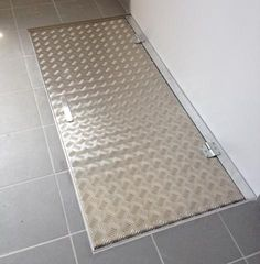 Trappe aluminium 180 x 80 - Architectes Du Vin