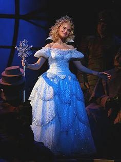 Kristin Chenoweth as Glinda in Wicked Broadway Wicked, Broadway Theatre, Musical Theatre, Glinda Costume, Broadway Costumes, Wicked Costumes, Halloween Costumes, Halloween 2020, The Witches Of Oz