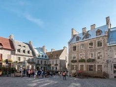 Discover the 10 best things to do and see in Old Québec. A stay in Old Quebec is not complete without visiting these must-see attractions. Samuel De Champlain, Le Petit Champlain, Old Quebec, Quebec City, The Places Youll Go, Places To Go, Plains Of Abraham, Rue Pietonne, Chateau Frontenac