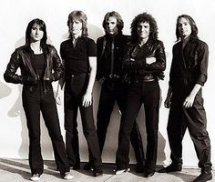 Saw them in concert... I miss Steve Perry.