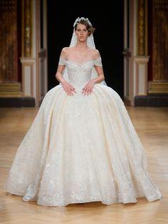 Wie eine echte Prinzessin: In diesem Hochzeitskleid von Ziad Nakad würde sich…