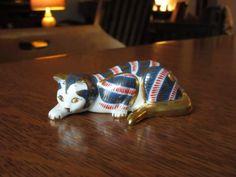 Chat en porcelaine Imari millésime 1988 par BarefootAndCivil