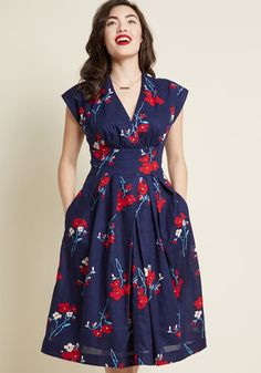 Emily and Fin Saunter Sweetly Midi Dress in Navy -♥️ ModCloth-exclusiveRush around in this navy dress from Emily and Fin? No way - its vintage-inspired design needs a few extra seconds to be savored! The hard-to-find British.Emily and Fin Dresses Cute Dresses, Vintage Dresses, Casual Dresses, Fashion Dresses, Summer Dresses, Party Dresses, Maxi Dresses, Work Dresses, 1940s Dresses