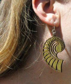 CONCH-SHELL-Green-Tree-Jewelry-APPLE-GREEN-laser-cut-wood-earrings-Made-USA-1007