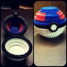 Great Ball - Pokemon perler beads by kittymccormick No instructions Perler Bead Designs, Hama Beads Design, Pearler Bead Patterns, Perler Patterns, 3d Pokemon, Pokemon Perler Beads, Diy Perler Beads, Perler Bead Art, Art Perle
