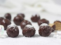 Chocolate sugar cookie truffles that are easy to make, a delight to bite into, and loaded with energy-boosting protein, fiber-rich oats, and dairy-free, vegan and gluten-free! Healthy chocolate truffles for breakfast, yes! PIN IT FOR LATER Chocolate Sugar Cookie Truffles These chocolate sugar cookie truffles can be made in one bowl with five simple ingredients. …