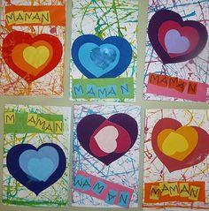 carte pour Maman, peut être avec des impressions cœur (rouleau de papier toilette) pour le fond.