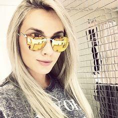 #JujuSalimeni curtindo seus óculos Fendi espelhado! #oculos #FendiIridia…