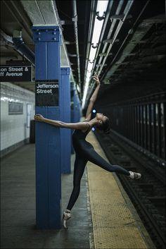 Street Ballet Dance Photo Shoot, Ballet Dance Photography, Ballerina Project, Ballerina Poses, Paris Opera Ballet, Belly Dancing Classes, Street Dance, Street Ballet, Modern Dance