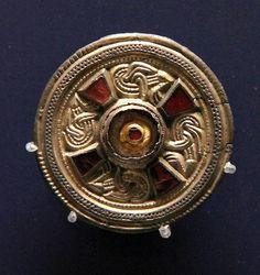 saxon pendant