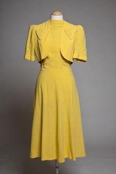 http://cf.ltkcdn.net/womens-fashion/images/std/145901-283x424-40s-inspired-dress-and-jacket.jpg
