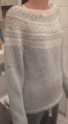 Mariusgenser til søs – StrikkIngrid Color Patterns, Crochet Pattern, Knitting Patterns, Knit Crochet, Free Pattern, Norwegian Knitting, Nordic Sweater, Fair Isle Knitting, Vogue Knitting