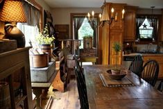 Gorgeous home ~ bridgettsthreadsfromthepast. Primitive Dining Rooms, Country Dining Rooms, Primitive Homes, Primitive Furniture, Primitive Kitchen, Primitive Decor, Primitive Country, Prim Decor, Country Living
