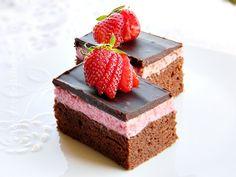 PRAJITURA CU MOUSSE DE CAPSUNI SI CIOCOLATA - Rețete Fel de Fel Mousse, Cheesecake, Sweet, Desserts, Food, Candy, Tailgate Desserts, Deserts, Cheesecakes